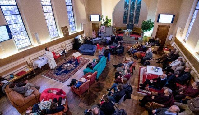 24heures: L'Eglise protestante vaudoise aimerait faire mieux avec moins de pasteurs